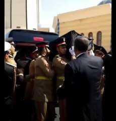 فيديو.. تشيع جثمان الرئيس الأسبق حسنى مبارك من مسجد المشير طنطاوى