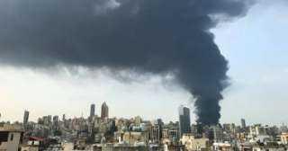 مروحيات للسيطرة على نيران مرفأ بيروت..ومراسلة  مخزن إطارات السبب