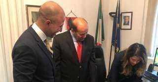 سفير مصر في روما يشارك في مراسم توقيع إيطاليا على ميثاق منتدى غاز شرق المتوسط
