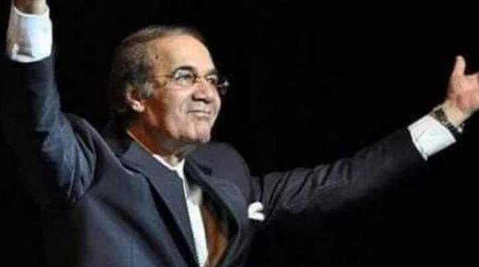 """صاحب الصوت الرخيم و فتي الشاشة الأول ..وداعا"""" محمود ياسين"""